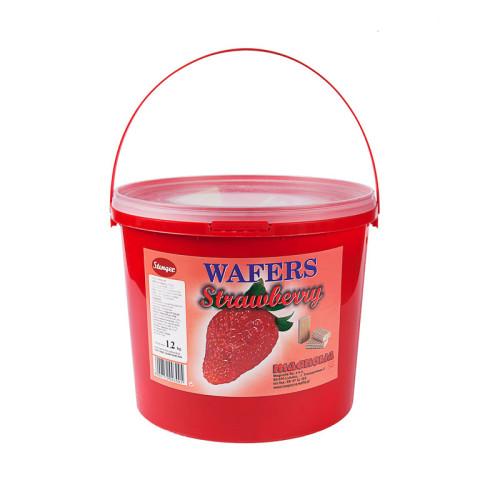 Wafle z kremem o smaku truskawkowym w wiaderku